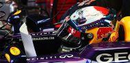 Sebastian Vettel en el box de Red Bull en Japón - LaF1