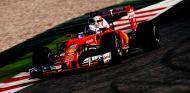 Ecclestone quiere ver una lucha Mercedes-Ferrari - LaF1