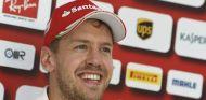 Sebastian Vettel habla con los medios - LaF1