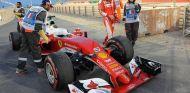 Sebastian Vettel abandonó antes de poder tomar la salida en Baréin - LaF1