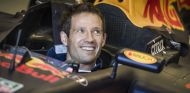 Sébastien Ogier coge los mandos del Red Bull RB7 - SoyMotor.com