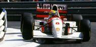 La famosa foto de Ayrton Senna y su McLaren MP4/8A en Mónaco 1993 – SoyMotor.com