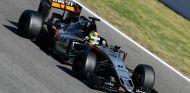 Sergio Pérez durante unos test con Force India - SoyMotor