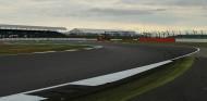 La FIA da el visto bueno al último asfaltado de Silverstone - SoyMotor.com