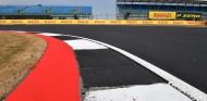 Silverstone suena para celebrar uno de los test postcarrera de 2020 - SoyMotor.com