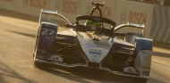 Sims y BMW estrenan temporada con Pole en Ad-Diriyah - SoyMotor.com