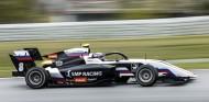 Smolyar gana la primera carrera de la Fórmula 3 en Barcelona