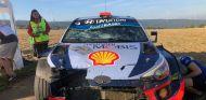 Dani Sordo, con el coche muy dañado en Alemania - SoyMotor.com
