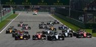 Arranque del Gran Premio de Bélgica en 2016 - SoyMotor