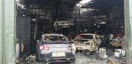 Un incendio en un taller acaba con varios deportivos japoneses - SoyMotor.com
