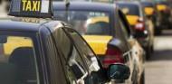 Los taxistas de Barcelona ofrecen ayudas para que los conductores de VTC se unan a sus filas - SoyMotor.com