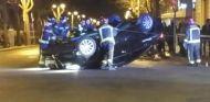 Diez personas vuelcan un coche de Cabify en Barcelona - SoyMotor.com