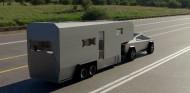 Tesla Cybertruck con la caravana a juego - SoyMotor.com