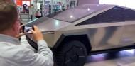 Tesla Cybertruck en exhibición - SoyMotor.com