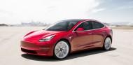 El Tesla Model 3 llegará con nuevas funciones de seguridad en todos sus acabados - SoyMotor.com