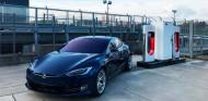Supercargador de Tesla en Nürburgring - SoyMotor.com