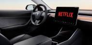 YouTube y Netflix llegan a Tesla - SoyMotor