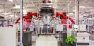 Tesla desafía a las autoridades y pone en marcha su fábrica de Fremont - SoyMotor.com