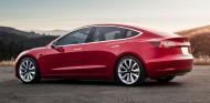 Tesla reconoce un fallo que hace que el parachoques trasero del Model 3 se desprenda - SoyMotor.com