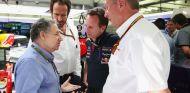 Jean Todt hablando con Christian Horner y Helmut Marko - LaF1