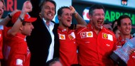 Todt, Montezemolo, Schumacher y Brawn en Magny-Cours en 2002 - SoyMotor.com