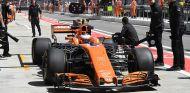 McLaren usa el 5º MGU-H y Turbo y penaliza: 15 puestos a Vandoorne - SoyMotor.com