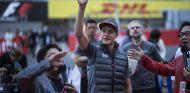 Vandoorne saluda al público japonés de Suzuka - SoyMotor