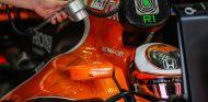 Vandoorne completa 135 vueltas en Magny-Cours con Pirelli