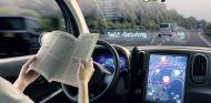 Los móviles, principal escollo de la conducción autónoma - SoyMotor.com