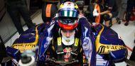 Jean-Eric Vergne en el interior de su Toro Rosso