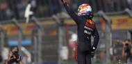 Max Verstappen gana otro 'asalto'... ¡sin DRS! - SoyMotor.com
