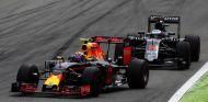 Max Verstappen y Fernando Alonso en Italia - LaF1