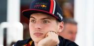 Las decisiones en F1 las debería tomar una persona, según Verstappen - SoyMotor.com