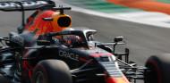 """Verstappen celebra la Pole heredada: """"Fue mejor de lo esperado"""" - SoyMotor.com"""