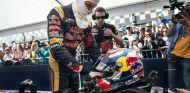 Max Verstappen en una exhibición en el circuito holandés de Assen - LaF1