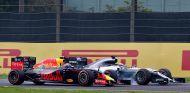 Max Verstappen y Lewis Hamilton en Japón - LaF1