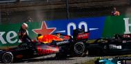 ¿Por qué Verstappen no comprobó cómo estaba Hamilton? - SoyMotor.com