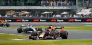 """Sainz: """"Verstappen lo hace mejor que Hamilton"""" - SoyMotor.com"""
