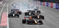 """Verstappen merecía mantener el liderato por los """"errores"""" de Hamilton, según Villeneuve - SoyMotor.com"""