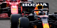 Por qué Leclerc acertó al no adelantar a Verstappen antes de la resalida - SoyMotor.com