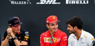 """Verstappen, Sainz y su plan para el tifón: """"¿Listo para perder al FIFA?"""" - SoyMotor.com"""