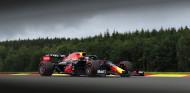 Verstappen, mejor tiempo y accidente en los Libres 2 de Bélgica; Alonso, cuarto - SoyMotor.com