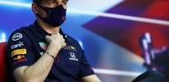 Verstappen se vacunó contra la covid-19 antes de viajar a Baréin - SoyMotor.com