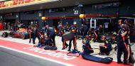 Red Bull, orgulloso de su reacción ante los problemas de Ferrari - SoyMotor.com