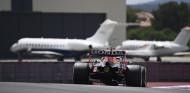 Verstappen activa el 'modo avión' - SoyMotor.com
