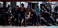 ¿Qué falló en la parada lenta de Verstappen en Monza? - SoyMotor.com