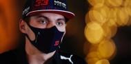 Max Verstappen, en el paddock de Baréin - SoyMotor.com