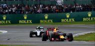 Las curvas rápidas de Silverstone pondrán a prueba a los monoplazas de 2017 - SoyMotor