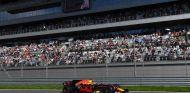 Verstappen terminó quinto en tierra de nadie en Rusia - SoyMotor.com
