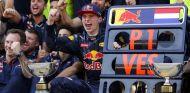 Verstappen ganó en su primera carrera con Red Bull - SoyMotor.com
